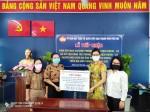 Chi nhánh Nhà xuất bản Chính trị quốc gia Sự thật tại Thành phố Hồ Chí Minh trao tặng 350kg gạo cho người dân có hoàn cảnh khó khăn do ảnh hưởng của dịch Covid-19